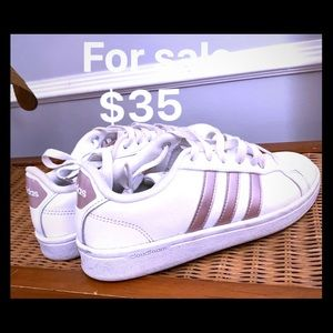 White adidas sneakers with light PINK EUC